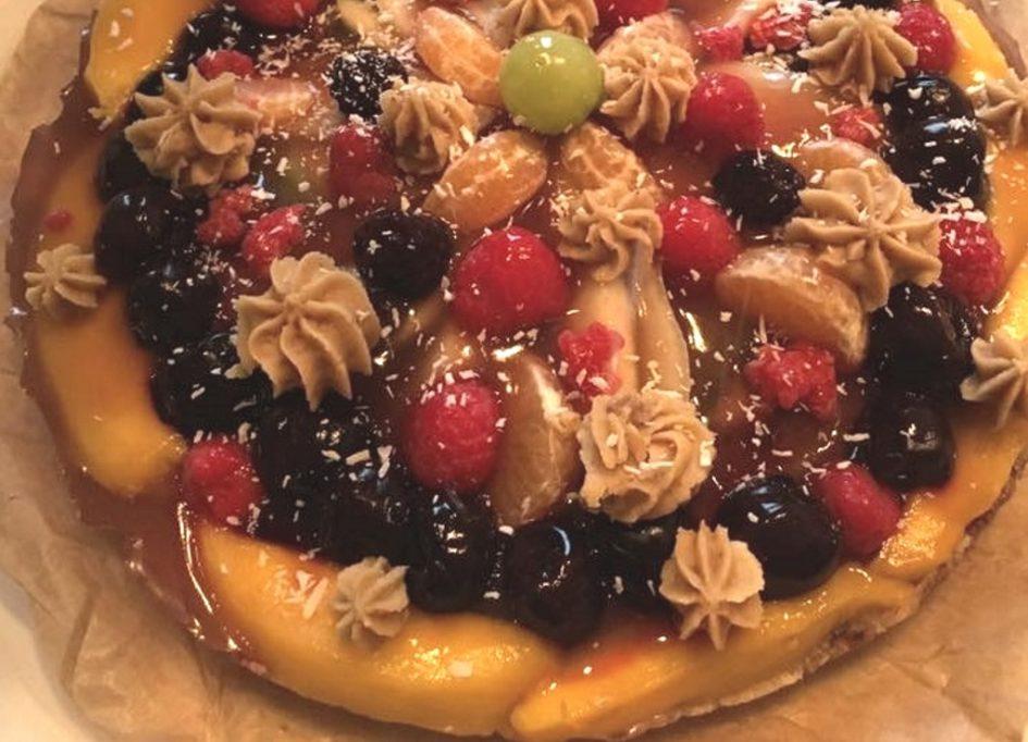 kerst-taart-met-vruchten-geheel-smal